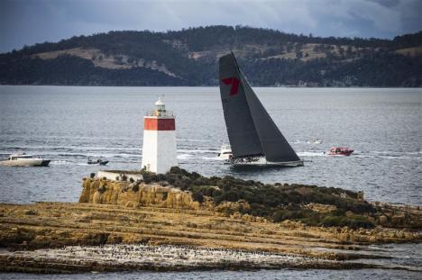 """A """"aveia selvagem"""" de Mr. Oatley mais uma vez acelerou mais que todos na nada pacífica descida de Sydney à Hobart. Zaz!!"""