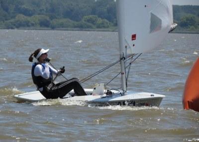 Marinha, Brasil!! Fernanda Decnop, militar de nossa armada, venceu o Brasileiro de Laser Radial em Porto Alegre. Uhuu!