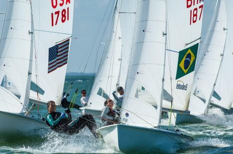 Renata e Bel estão em terceiro na 470