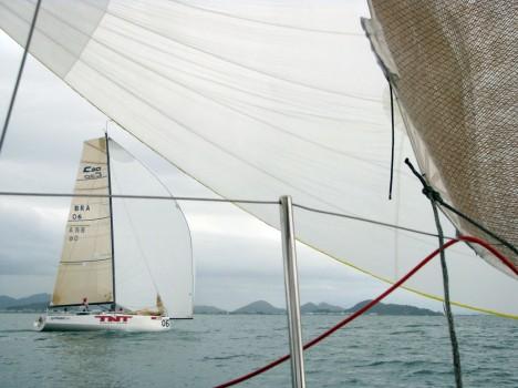O Loyal visto do barco concorrente