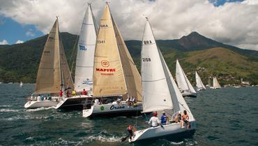 Aline Bassi registrou a largada da ORC em Ilhabela