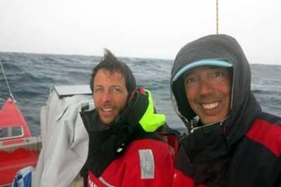 Betão e Igor ainda conseguem sorrir no Atlântico. Depois da calmaria veio a tempestade!
