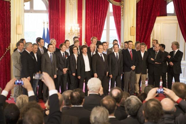 Os velejadores e o presidente francês na sede do governo