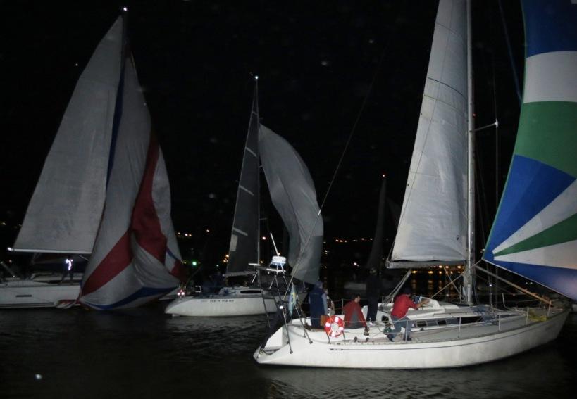 Ricardo Pedebos, do Veleiros do Sul, estava lá e registrou a largada da regata