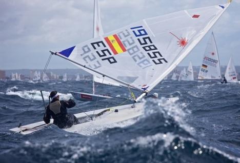 Velejadora espanhola quebra o mastro