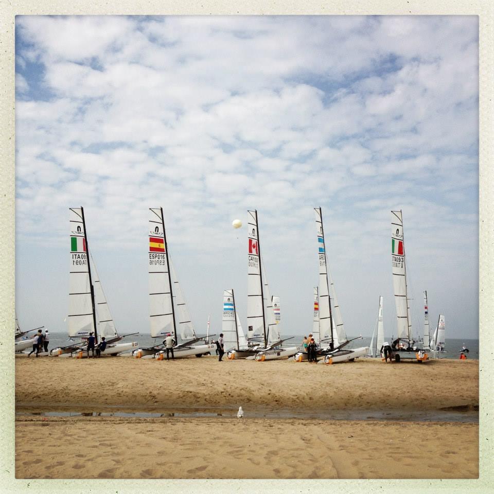 Equipes esperam pelo vento em Hague