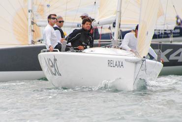 Aline Bassi registrou a equipe comandada por Maurício Santa Cruz