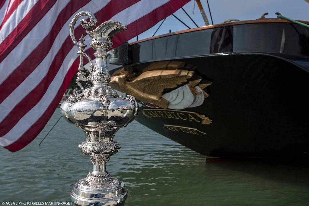 A escuna America e o tão desejado trofeu
