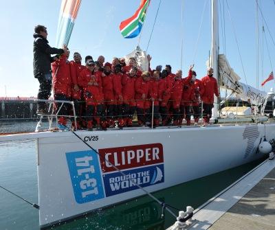 Rich Gould e a equipe Invest Africa comemoram na França.
