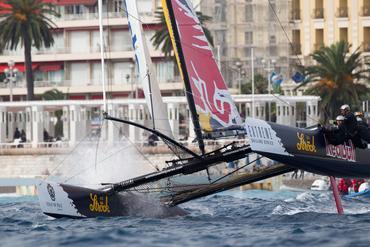 Barcos em ação em Nice