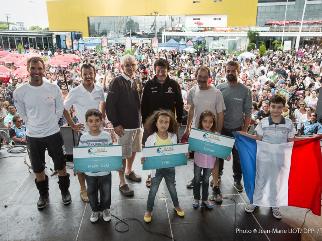 Brasileiros aparecem em peso na premiação da regata