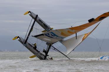 Barco quase capotou nas regatas de sábado