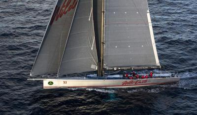 """E a """"Aveia Selvagem"""" está novamente à frente da flotilha da legendária Sydney-Hobart."""