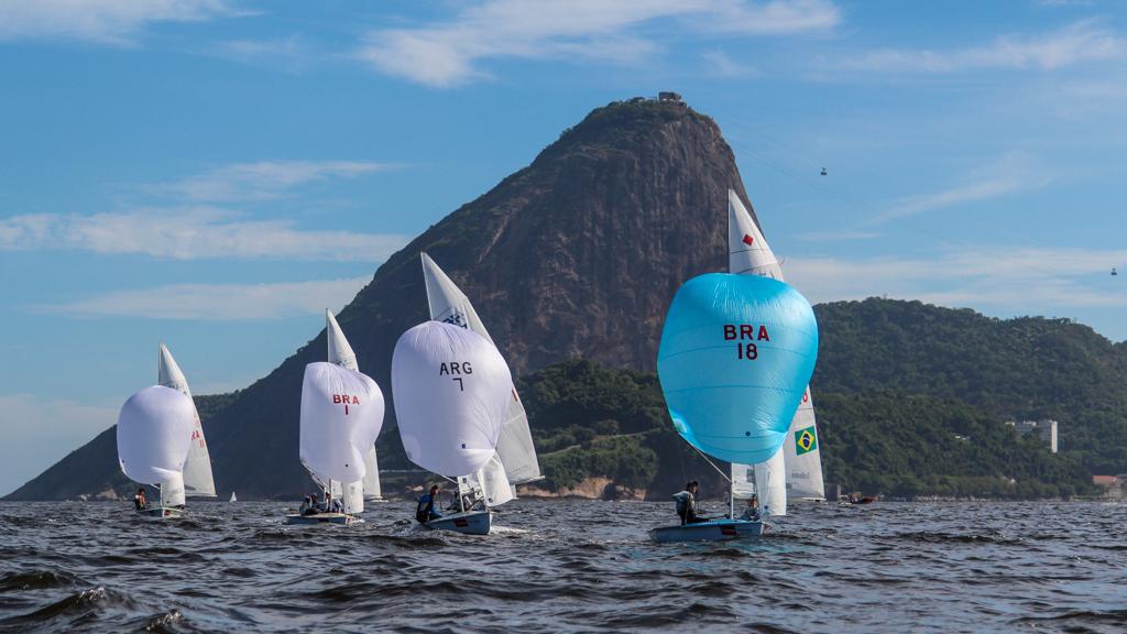 A Kyra Mirsky registrou uma das regatas de 470 na Copa Brasil de Vela