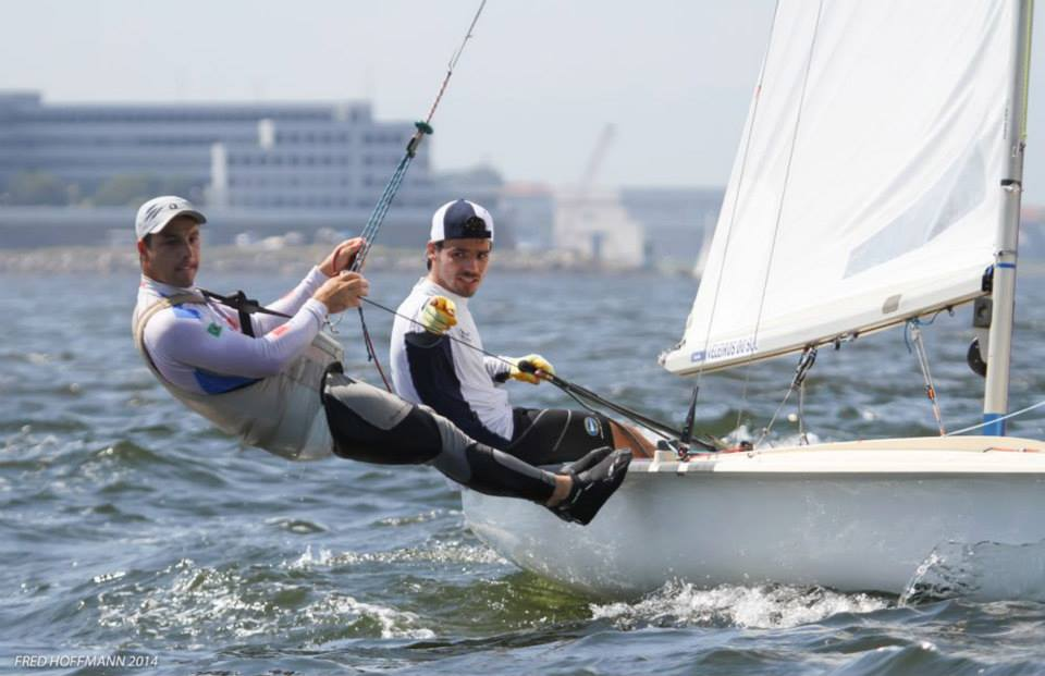 Fred Hoffmann registrou a dupla velejando na baia de Guanabara