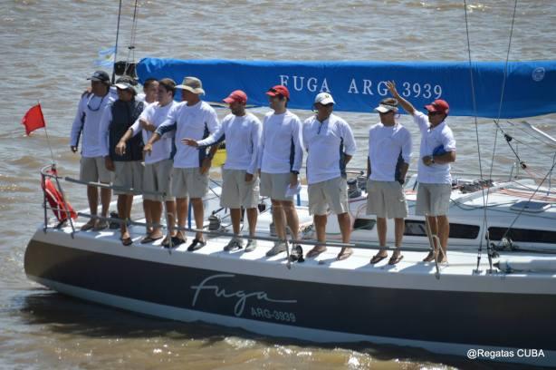 A tripulação do Fuga. Foto por Regatas CUBA