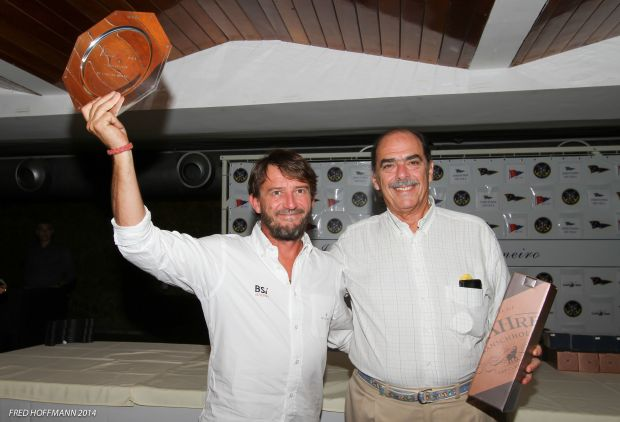 Giovanni Soldini e o  comodoro do ICRJ, Luiz Carlos Barroso Simão
