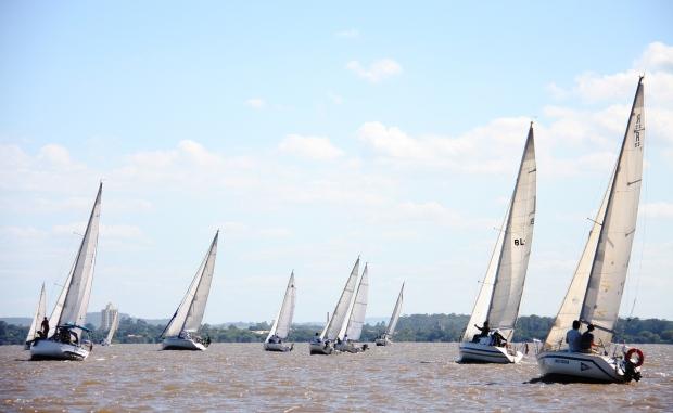 Regatas da 20ª Copa Cidade de Porto Alegre foram realizadas nos dias 22 e 23 de março. Crédito Claudio Bergman