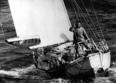 "Sir Robin Knox-Johnston no legendário ""Suhaili"" em 1969"
