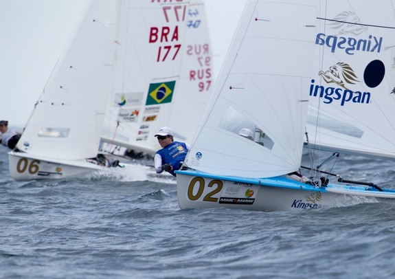 Disputa entre brasileiras e neozelandesas na Medal Race
