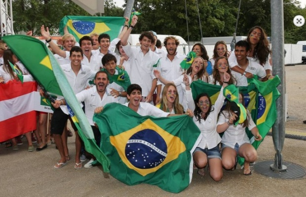 A festa brasileira na abertura do Mundial de 420 captada por Christian Beeck