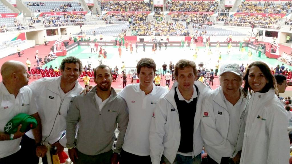 Equipe brasileira no Maracãnazinho