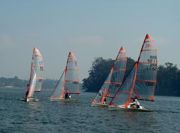 Os quatro barcos em ação na Guarapiranga