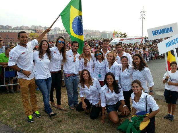 Parte do time brasileiro pronto para a abertura do Mundial de Santander
