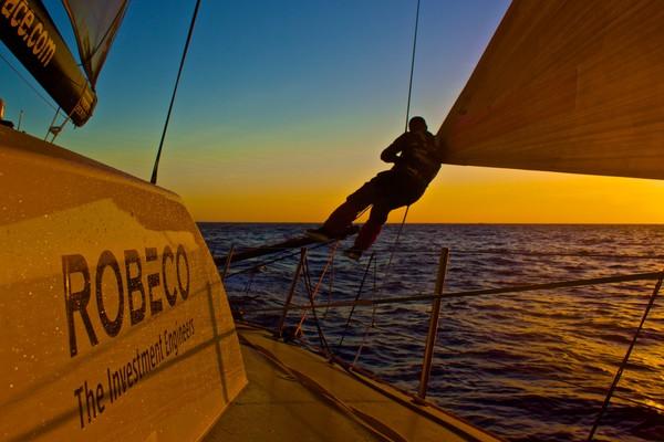 Por do sol a bordo do Team Brunel