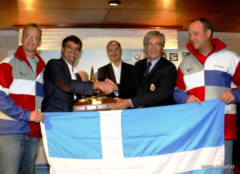 Gaúchos comemoram o vice-campeonato. Foto de Maria Orozco/ divulgação