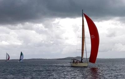 Saravah, meu pai! O barco do ICAB não frequentou o pódio de 2015 em Búzios, mas embelezou o dia nem tanto.