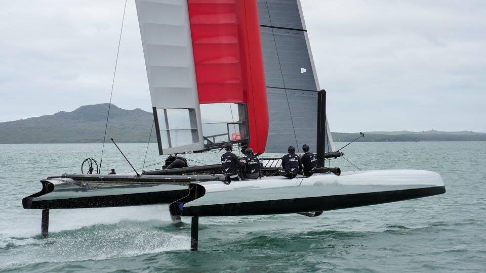 Ontem, em Auckland, o ETNZ deu o primeiro velejo no novo cat para 2016. Bonito!